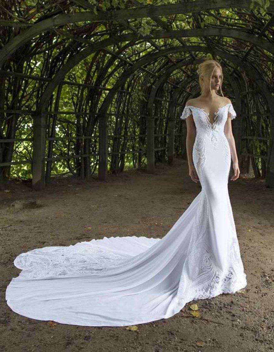 Mirror Mirror Bridal Sample Sale -- Sample sale in London